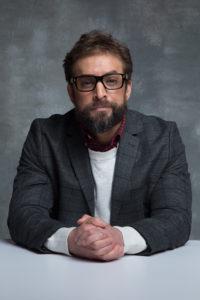 教授 (33)